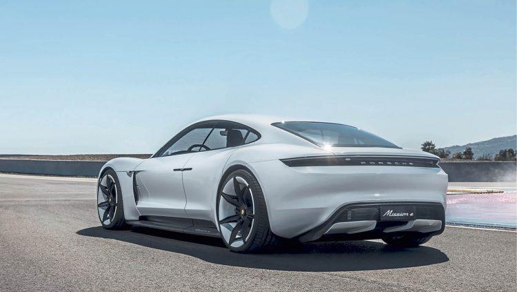 Porsche Taycan İle Voltajı Yükseltecek