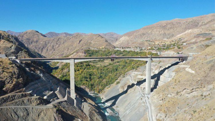 Türkiye'nin Orta Açıklıklı En Yüksek Köprüsü Açıldı