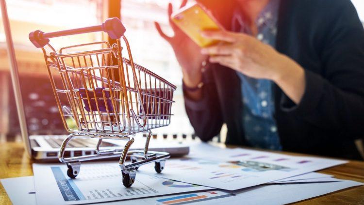 Efsane Cuma'da Online Alışveriş Rekoru Kırıldı