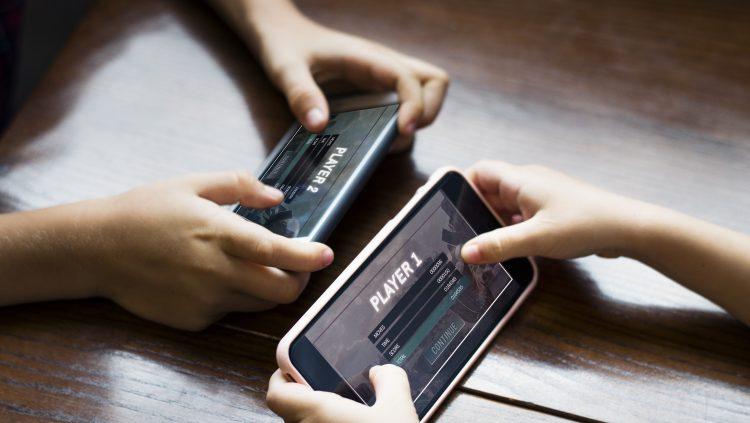 Yetişkinlerin % 79'u Mobil Oyuncu